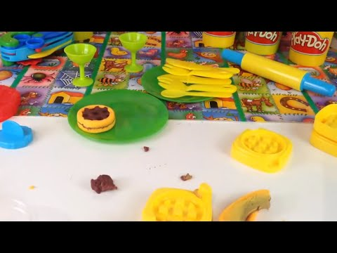Play Doh  playset - Sweet Shoppe Frosting Fun Bakery Playset