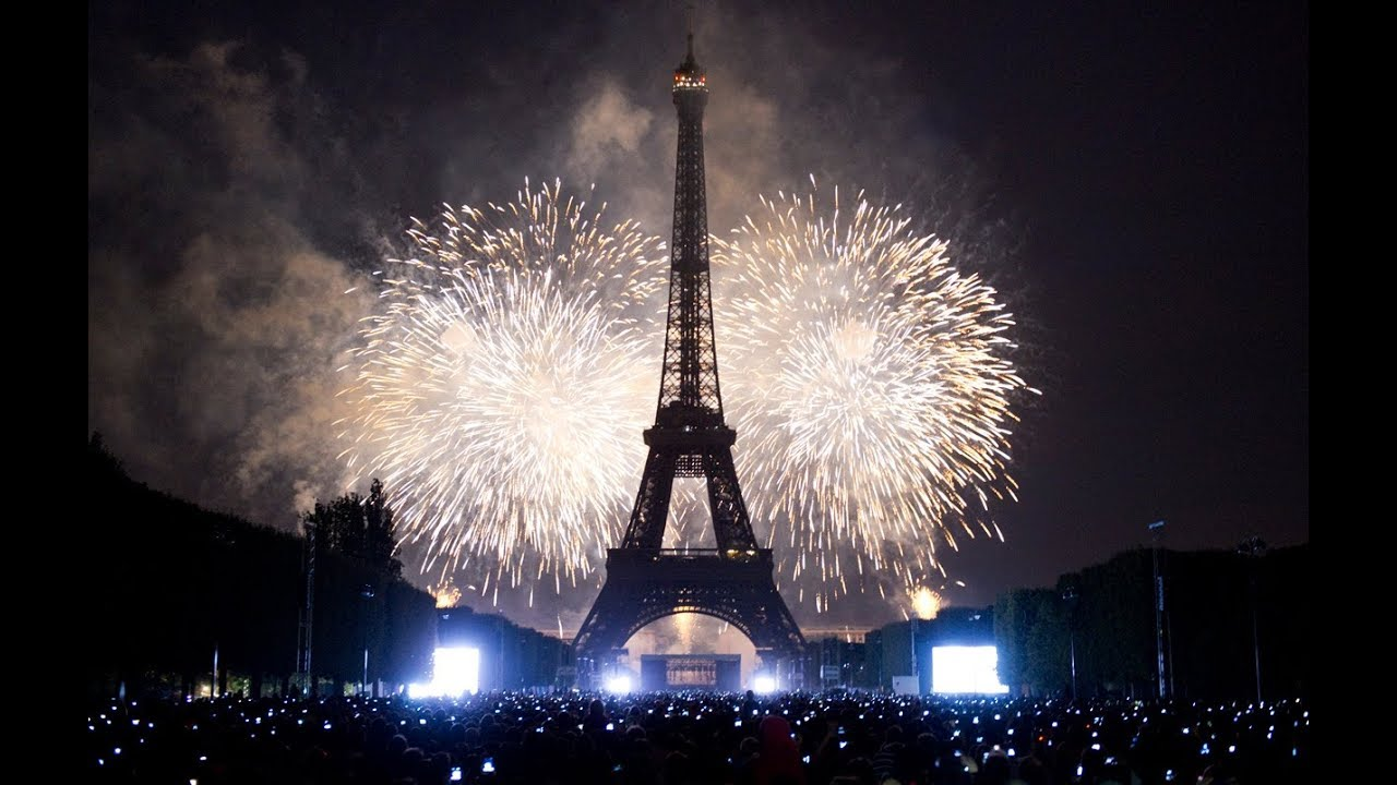 paris new year celebration 2018 fireworks full hd 1080p france new years eve eiffel tower