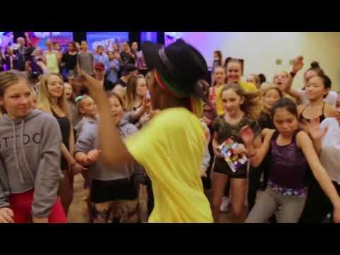 """Comfort Fedoke Dancing to """"Lemon"""" by N.E.R.D"""