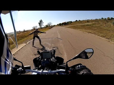 BMW R1200GS Adventure - Proficiency And Advanced Cornering PART ONE