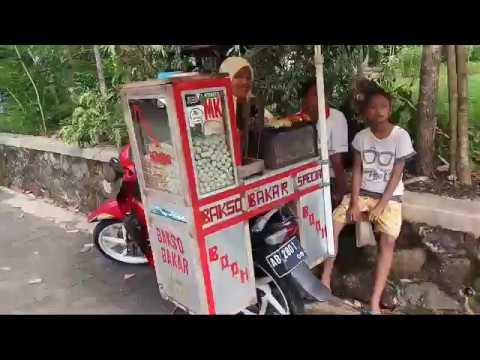 jajanan-di-gunung-kidul---bakso-di-bakar---kuliner-jogjakarta-|-indonesian-street-food