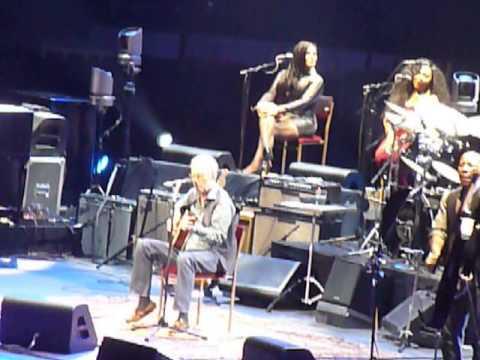 Eric Clapton 70th Birthday Celebration- Layla (Acoustic)