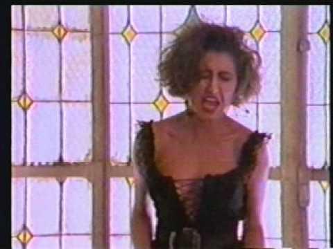 Francamente Flor Yvon  (Videoclip Original)