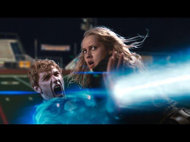 外星小伙拥有超能力-双手可以射出能量光束-一不小心拯救了地球-速看科幻电影-关键第四号
