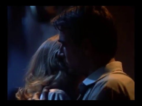 Mark Harmon Dances with Cybil Shepard in Moonlighting