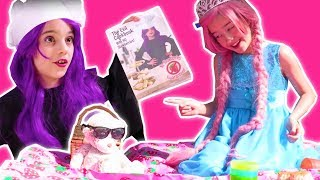 PRINCESS TEA PARTY WITH STRAWBERRIES 🍓 Strawberry Jam Prank! - Princesses In Real Life | Kiddyzuzaa