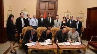 شاهد..محافظ الإسكندرية يوقع بروتوكول مع الصين لتحويل قطار أبوقير لقطار كهربي سريع