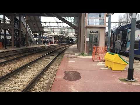 Passage de La Regiolis B84567/84557 Traverse Versailles Chantiers pour Granville Intercités 3441