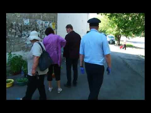 Глава Саяногорска лично убеждает стихийных торговцев не нарушать режим самоизоляции
