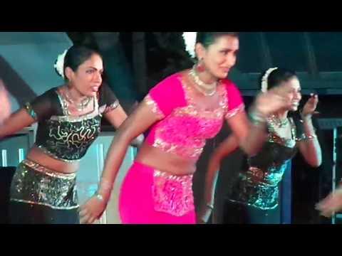 Dayata kirula 2014- Kuliyapitiya.... Sri Lanka NAVY Ladies show... Nice