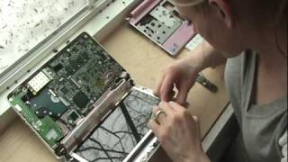 Part 1: Acer Aspire One Solderless Touchscreen Install  (Disassembly)