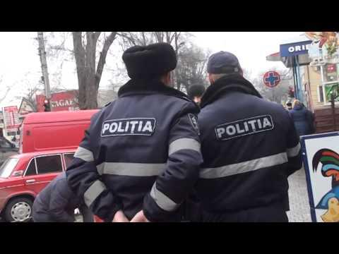 Curaj.TV - Poliția la piață: ia marfa și nu plătește (Video INTEGRAL)