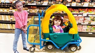 Funny Baby doing shopping Supermarket Song for children Pretend Play with funny girls