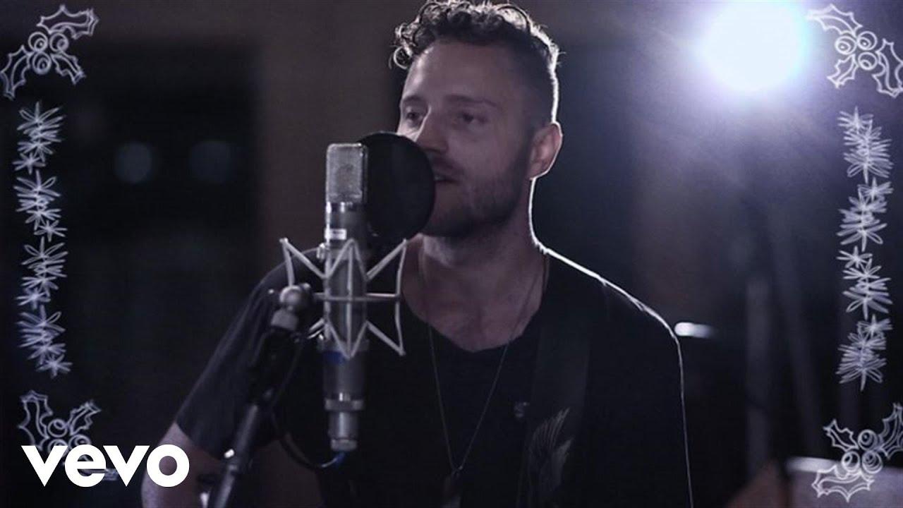 dan-bremnes-jingle-all-the-way-acoustic-live-danbremnesvevo
