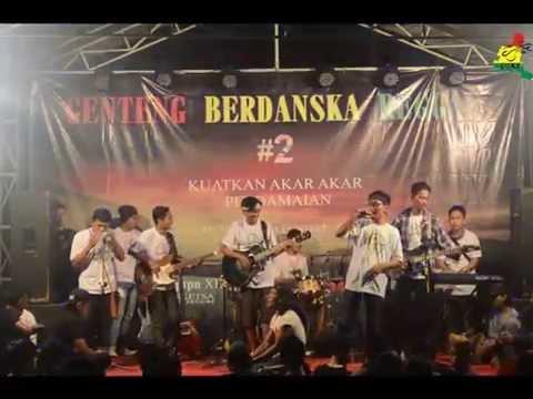 red Island -  o2k2  (Live In Genteng Berdanska Reggae)