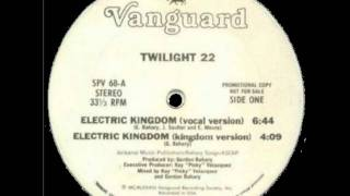 Download Video Twilight 22 - Electric Kingdom MP3 3GP MP4