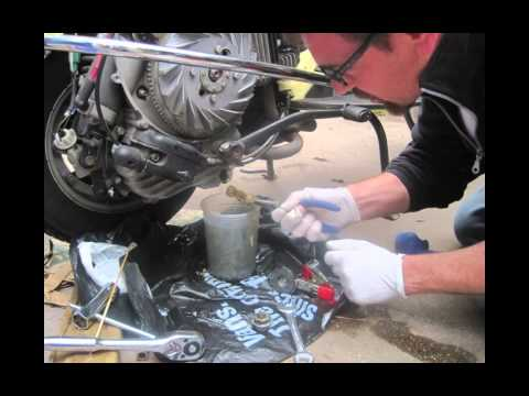 how to change your oil on a bajaj chetak youtube rh youtube com Bajaj Chetak Modified Bajaj Chetak 2017 Latest