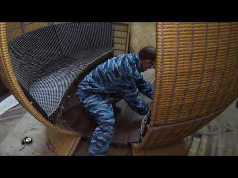 Процесс изготовление кареты из ротанга
