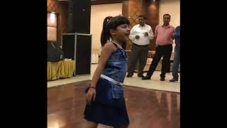 Vaishnavi Parjapati Awesome Dance Performance On Bom Diggy Diggy bom bom Song