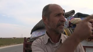 Kurds fleeing territory near the Turkish border