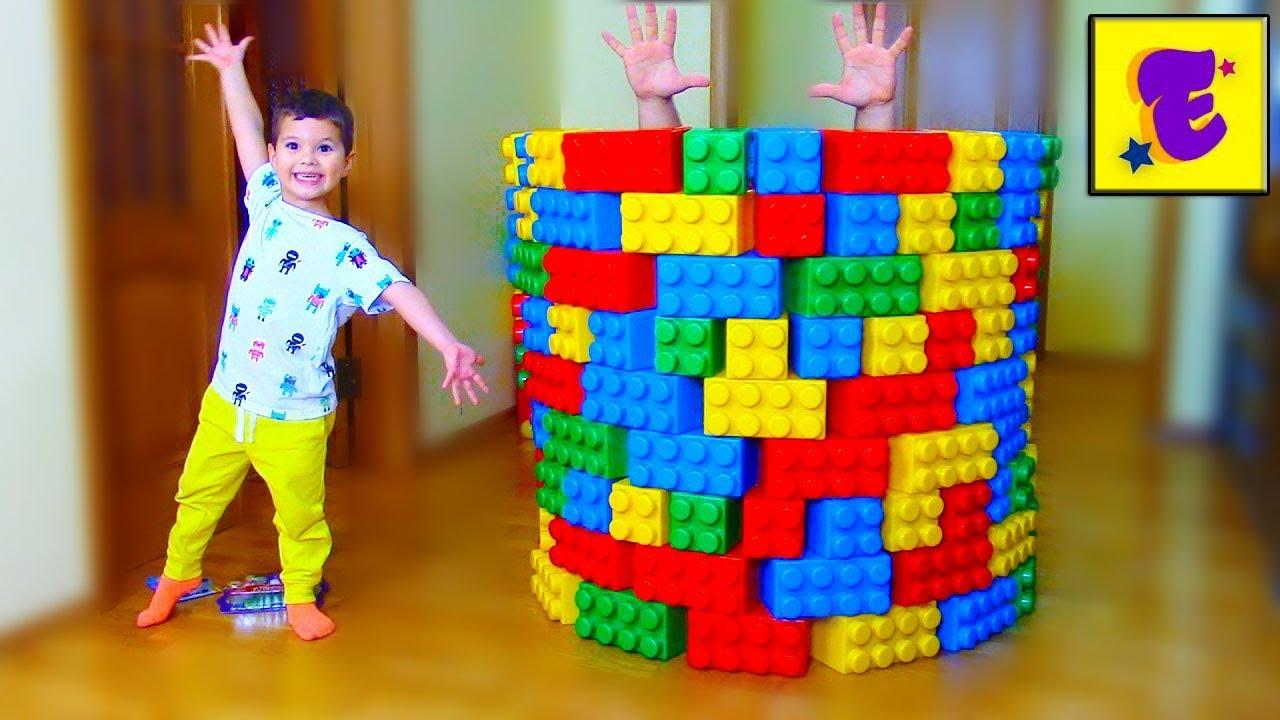 Маленький Егорка и Папа Играют с ВОЛШЕБНЫЙ КоЛоДеЦ...!!!