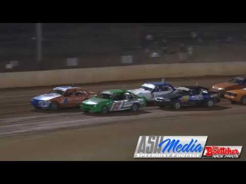 Modified Sedans: Brad Yarrow and Glenn Pagel Crash - Carina Speedway