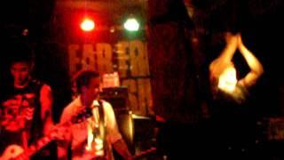 Far From Finished - 9 Lives @ Wurlitzer Ballroom (Madrid) - 2008