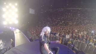 Selfie Stick Video - MANCHESTER Arena [January 21, 2015] - Brian May