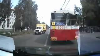 У автобуса отказали тормоза ДТП(, 2014-03-06T09:14:47.000Z)