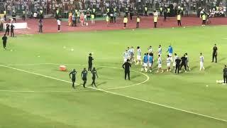 تشجيع جمهور الزمالك للاعبين قبل المباراة النهائيه يزلزل برج العرب 👏🏻🏆