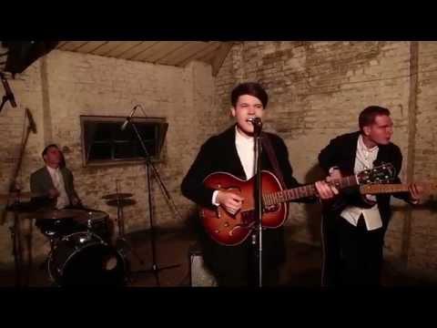 Luke Jackson Trio || 'Is It Me?' || LIVE HD.