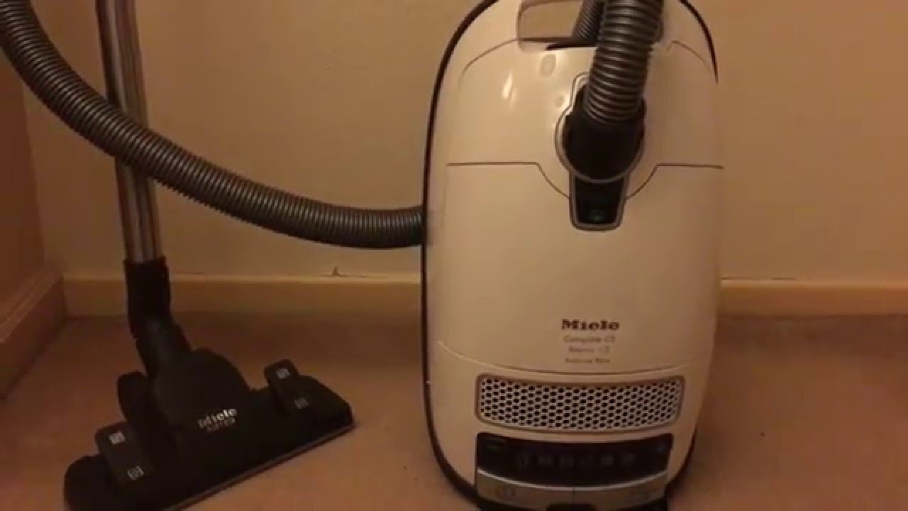 ao review miele complete c3 silence ecoline plus cc3sil cylinder vacuum cleaner white youtube. Black Bedroom Furniture Sets. Home Design Ideas