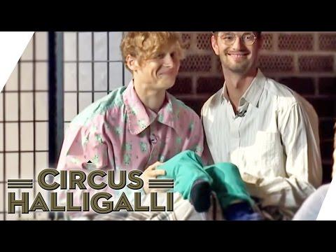 Aushalten: Nicht lachen Tag Team Edition  Teil 1  Circus HalliGalli  ProSieben