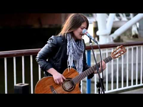 Amazing street performer cover song