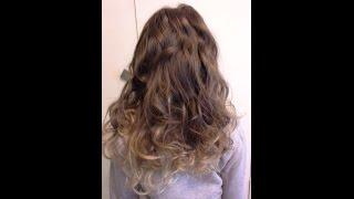 Fryzury Pazury - Delikatne lekkie fale na długich włosach