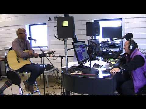 Live interview met singer songwriter Ronald Günther bij MusicMagic bij On Air Radio Omroep Almere, 1