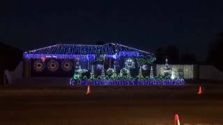 Christmas Light Show to Music - Australia - Thunderstruck.