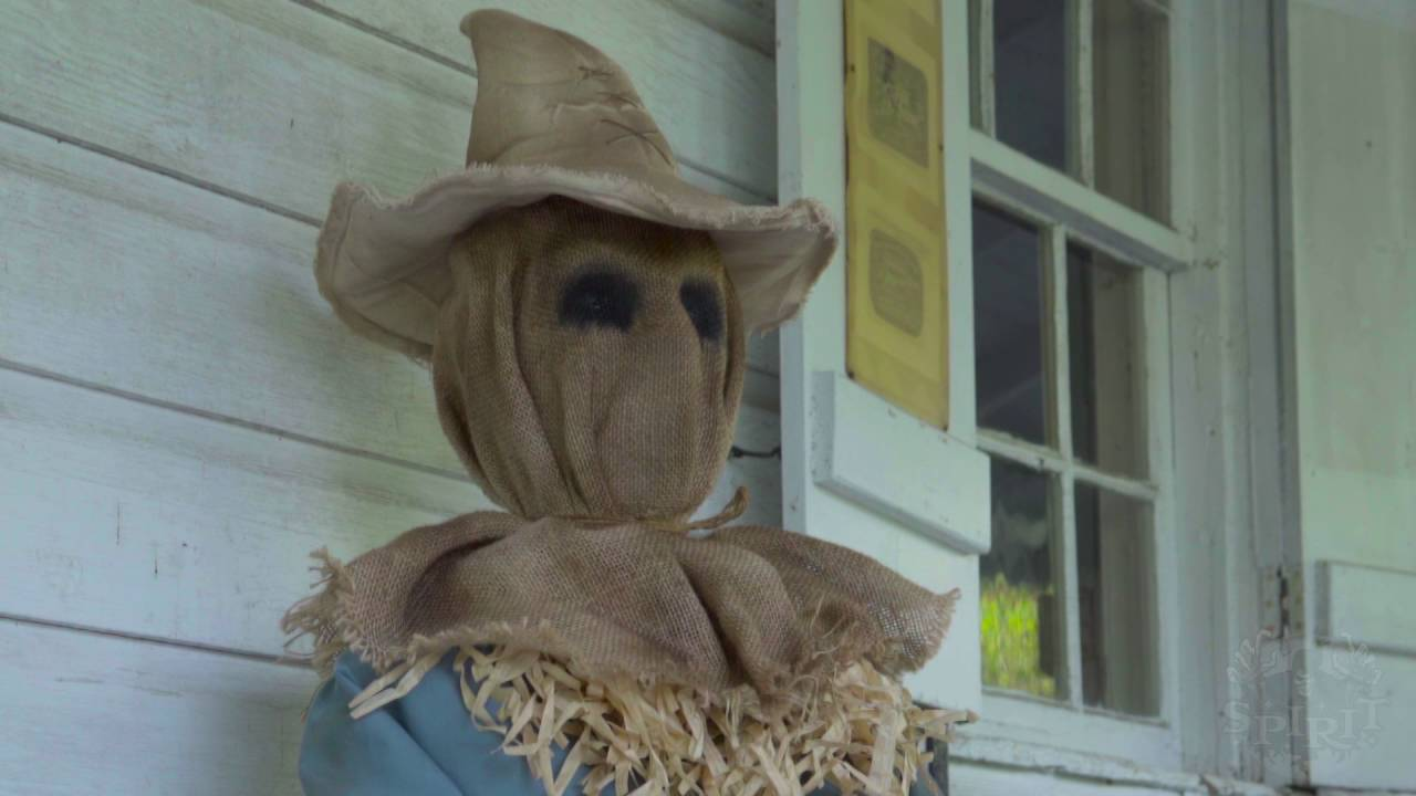 Sitting Scarecrow - Spirit Halloween - YouTube