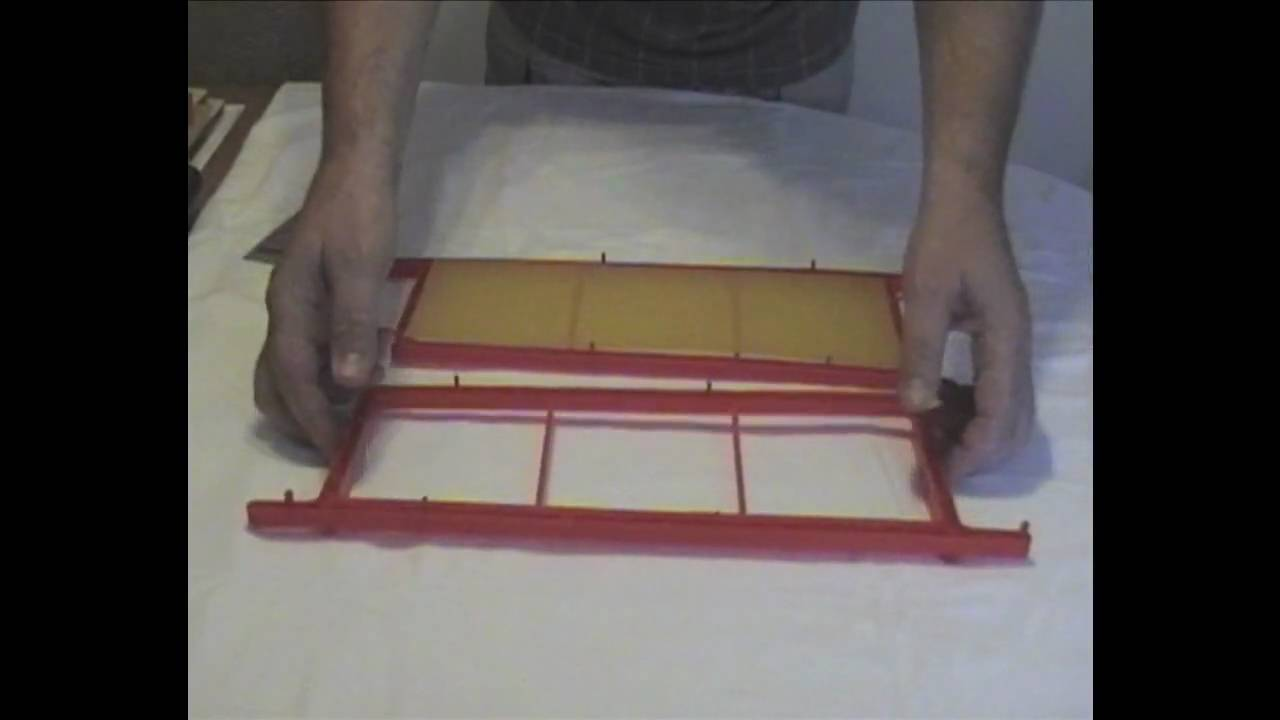 making cut comb with plastic frames beekeeping techiques