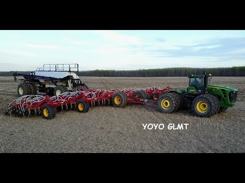 Seeding Time/semis 2017, Alberta Canada, JOHN DEERE 9530 and BOURGAULT, Versatile, WESTERN STAR