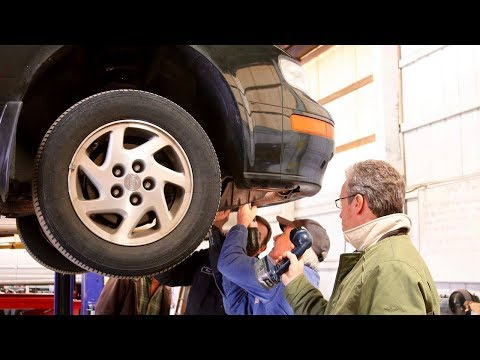United Methodist Mechanics Fix Cars for Free