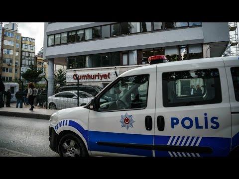 تركيا: اعتقال أكثر من ألف شخص في يوم واحد والمعارضة تتعهد باللجوء للمحكمة الأوروبية  - نشر قبل 19 ساعة