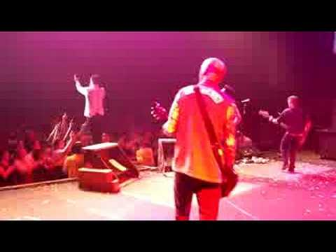 Goldfinger - Open Your Eyes (live in Anaheim)