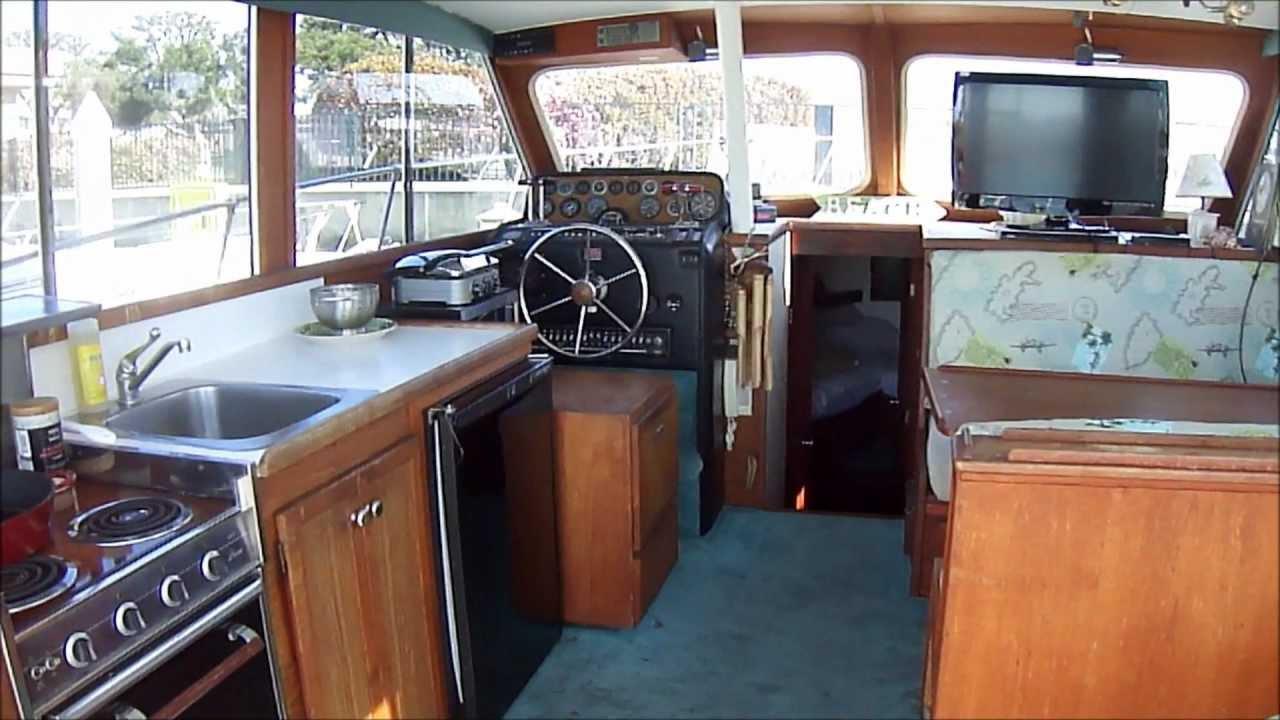 Uniflite 36 Flybridge Yacht Cabin Walk Thru Video By South