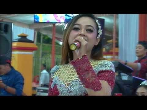 Cinta Terlarang Cover DEYUNA ZELINDA MUSIC Live Sukoharjo