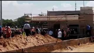 انهيار مبنى قيد التشييد والبناء في تل ابيب واصابة 18 عاملا والبحث عن مفقودين وعالقين جميعهم عرب