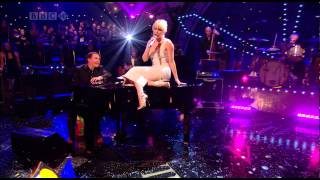 Kylie Minogue - Come On Strong (Jools Annual Hootenanny 2007) [Live]