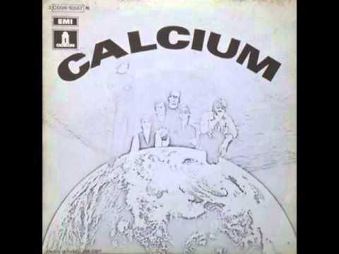 Calcium -  Elle Regarde Et Elle Rit