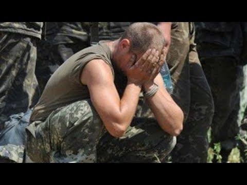 Украинский пограничник звонит маме домой (18+)