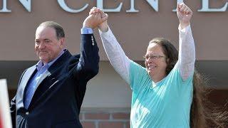 Huckabee: 'God Intervened' To Get Bigot Kim Davis Out Of Jail